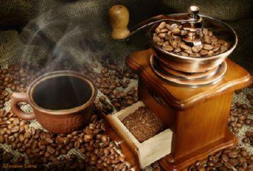 Ручная кофемолка европейского типа