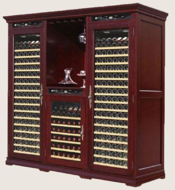 Большой винный шкаф