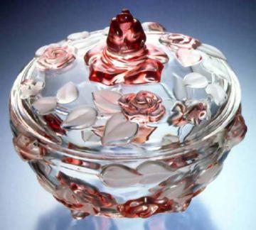 Стеклянная конфетница